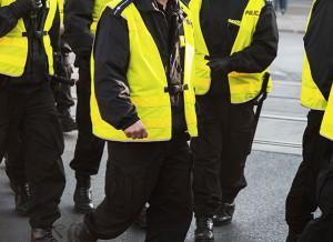 תקיפת שוטרים